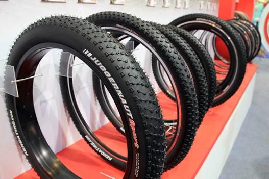 New Kenda Juggernaut Tires Use Old English 800 As Sealant