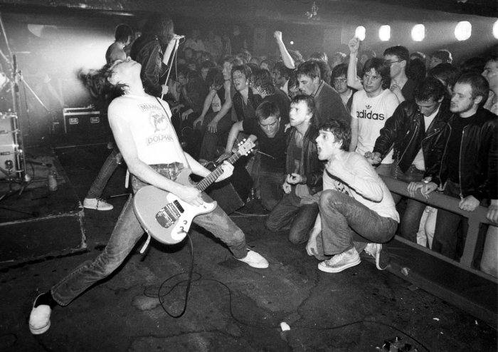 the-ramones-at-erics-club-082b3891fd947525